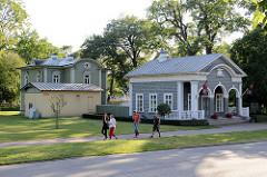 Altes Torhaus im Kadriorg Park in Tallinn, erbaut 1828 - jetzt Museum und Bibliothek.