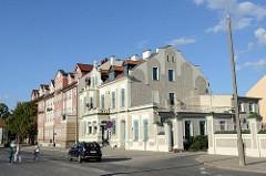 Restaurierte Gründerzeitarchitektur - Wohnhäuser / Hotel in der Straße Ryszarda Knosały von Olsztyn.