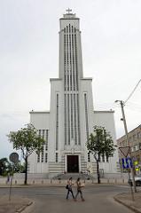 Römisch Katholische Basilika - Christi Auferstehung in Kaunas - gebaut 1940, während der Sowjetzeit war das Gebäude eine Radio-Sendeanstalt; 2004 wurde die Kirche neu geweiht.
