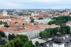 Panorama - Blick vom Burgberg auf die Dächer Vilnius.