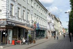 Savanorių pr. in Kaunas - Fussgängerzone mit Cafés und Geschäften - Zentrum  - Zentrum der Stadt / Altstadt.