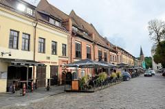 Restaurants und Cafés beim Rathaus von Kaunas.