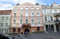 JÓZEF IGNACY KRASZEWSKI / KRAŠEVSKIS bekannter polnischer Schriftsteller lebte und arbeitete von 1832 - 1835 in dem Haus am Pilies in Vilnius.
