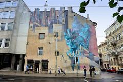 Großformatiges Wandbild, Fassadenmalerei in der Straße Kauno - Streetart in Vilnius.