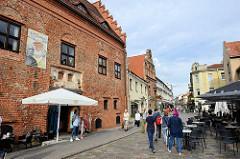 Altstadt von Kaunas - Fussgängerzone mit historischen Gebäuden.