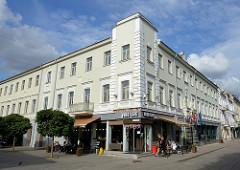 Savanorių pr. in Kaunas - Fussgängerzone mit Cafés und Geschäften - Zentrum der Stadt / Altstadt.