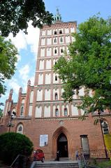 Kathedrale St. Jacob in Olsztyn, Grundsteinlegung 1315; ehem. Pfarrkirche, jetzt Konkathedrale des Bistums Ermland. 1806/07 Gefängnis für 1500 preußische und russische Soldaten.