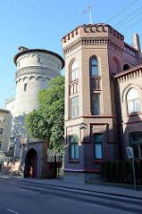 Sehenswürdigkeiten in Tallin - Architektur der Altstadt; historischer Wasserturm in der Tõnismägi.