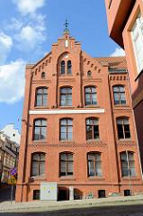 Backsteinarchitektur mit Treppengiebel - Verwaltungsgebäude in Olsztyn.