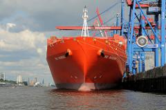 Die Rio Klasse der Reederei Hamburg Süd haben eine Gesamtlänge von 286,45 Metern, eine Breite von 40,00 Metern und bei einer Tragfähigkeit von 80.455 Tonnen einen Tiefgang von 13,50 Metern. Die RIO MADEIRA liegt unter den Containerbrücken des HHL