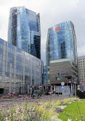 Geschäftshochhäuser / Verwaltungstürme, Bürotürme in Vilnius - moderne Archtektur mit Glasfassade.