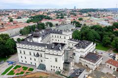 Blick vom Burgberg auf das rekonstruierte Schloss der Großfürsten in Vilnius.