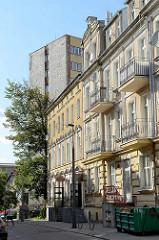 Gründerzeitarchitektur - mehrstöckige Wohnblocks, teilweise mit Balkons - Architektur in Olsztyn.