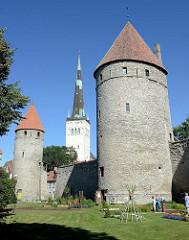 Historische Wehrtürme an der Tallinner Stadtmauer, Kirchturm der  St. Olafkirche / Olaikirche, Neuaufbau 1834.