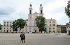 Jesuitenkirche in Kaunas, Barockkirche - geweiht Mitte 18. Jhd. Lks. das Jesuitenkollegium - gegründet 1649.
