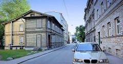 Steinhäuser mit roher Fassade - Wohngebäude aus Holz; Architektur in Tallinn / Estland.