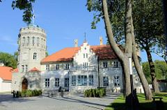 Gebäude vom Historischen Museum in Tallinn / ehem. chloss Maarjamäe, Schloss Orlov - erbaut 1874 für den General Anatoli Orlow-Davõdov.