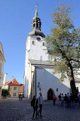 Nikolaikirche in Tallinn - erbaut um 1420; im Krieg zerstört - Neuaufbau bis 1984, jetzt Nutzung als Konzertsaal und estnisches Kunstmuseum.Nikolaikirche in Tallinn - erbaut um 1420; im Krieg zerstört - Neuaufbau bis 1984, jetzt Nutzung als Ko