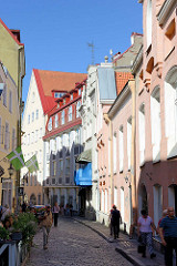 Schmale Gasse - Fussgängerzone Rataskaevu in Tallinn