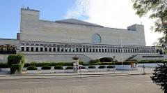 Gebäude der Estnischen Nationalbibliothek / Eesti Rahvusraamatukogu in Tallinn - fertiggestellt 1993, Architekt Raine Karp.