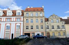 Wohnhäuser in der Straße Seweryna Pieniężnego von Olsztyn - teilweise restauriert oder leerstehend.