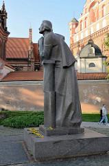Denkmal für den Dichter A. Mickevičius in Vilnius - Bildhauer Gediminas Jokūbonis, 1984.