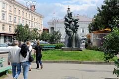 Denkmal für Barbora Radvilaitė in Vilnius;   litauische Adelige, die  gegen den Willen von Königin Bona Sforza ihren Geliebten Sigismund August geheiratet hat.