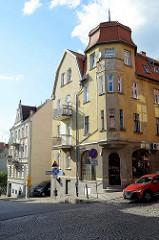 Wohnhaus mit Dachturm und Eckerker, Gründerzeitarchitektur in Olsztyn.