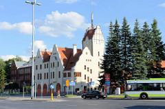 Neogotische Architektur der Gründerzeit - Feuerwehrgebäude in Olsztyn.