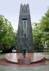 Denkmal für den Dichter + Patrioten Vincas Kudirka in Vilnius - Bildhauer Arūnas Sakalauskas, 2009.