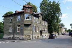 Altes Holzhaus mit Erkerturm - Wohnhaus in der Straße Timuti in Tallinn.
