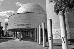 Planetarium der Universität Vilnius, erbaut 1962 - Architekt Jonas Kasperavičius.