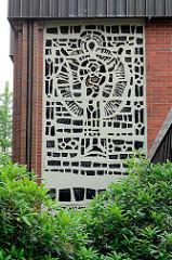 Katholischen St. Marien-Kirche in Jever; geweiht 1966 -  Entwürfe der Fenster Rudolf Krüger.