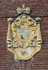 Wappenstein vom Auricher Schloss
