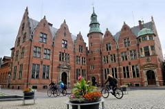 Gebäude der Ständevertretung / Ostfriesische Landschaft in Aurich -  Landstände, die sich in drei gleichberechtigte Gruppen aus Rittern und Vertretern der Bürger und Bauern zusammensetzten.