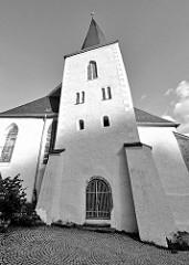 St. Martinikirche in Stolberg / Harz - Kirchturm im Stil der Romanik im 11. Jahrhundert errichtet, Basilika im 14. Jahrhundert frühgotischer Baustil. 1525 predigte Martin Luther hier gegen die aufständischen Bauern.