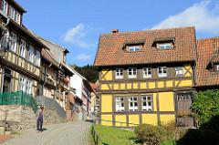Alte Fachwerkhäuser, Wohnhäuser in der Töpfergasse / Neustadt von Stolberg / Harz.