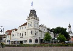 Historische Gaststätte / Hotel Hof von Oldenburg am Alten Markt in Jever, erbaut um 1798.