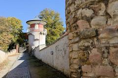 Reste der historischen Stadtmauer von Sangerhausen - ehem. Wachturm.