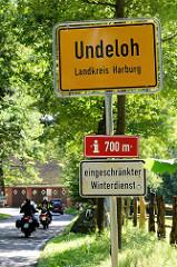 Ortsschild Undeloh, Landkreis Harburg.