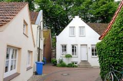 Einzelhäuser, Gasse in der Altstadt von Jever.