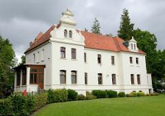 Das sogen. Schlösschen in Aurich - Gebäude im Schlossbezirk, ehem. Wohnsitz des jeweiligen Regierungspräsidenten.
