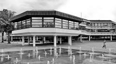 Moderne Verwaltungsarchitektur - Rathaus am Georgswall in Aurich.