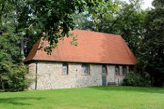 Ole Kerk / Alte Kirche in Bispingen, 1353 aus Feldsteinen errichtet - jetzt Nutzung u.a. für Konzerte.