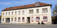 Gebäude von der Gaststätte goldener Hahn am Salztor in Naumburg; während des Kapputsches 1920 Versammlungsort der USPD / SPD; im goldenen Hahn soll 1920 die KPD und 1925 der RFB gegründet worden sein - jetzt Nutzung als Theater.