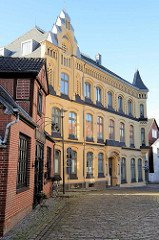 Wohn- und Geschäftsgebäude in der kleinen Seestraße von Bad Segeberg.