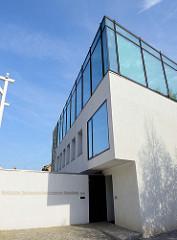 Moderner Neubau vom Nietzsche Dokumentationszentrum Naumburg / Saale. Fertig gestellt 2010, Entwurf Architekturbüro Kirchmeier Graw & Brück.