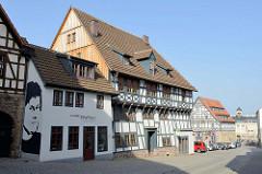 Blick zum Luther Haus in Eisenach, lks. Luthers Werkstatt- re. das Creutznacher Haus unter Markt von Eisenach.