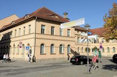 Gebäude der ehemaligen Bürgerschule in der jetzigen Karl-Liebknecht-Straße von Weimar; erste städtische Volksschule, eröffnet 1825; klassizistische Baustil - Entwurf Oberbaudirektor Clemens Wenzeslaus Coudray. Heute Nutzung als Musikschule.