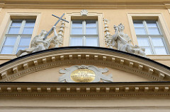 Eingang / Portal der Ehemalige Hospitalkirche vom Maria-Magdalena-Hospital in Gotha; fertig gestellt 1719, Architekt : Johann Erhard Straßburger.